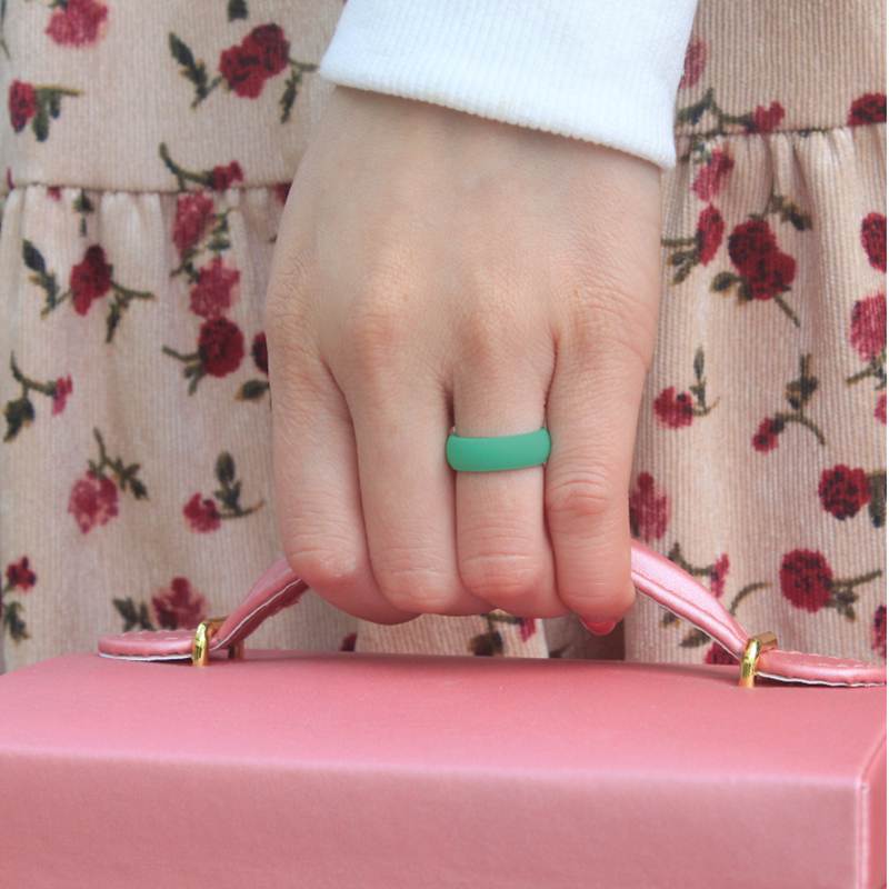 Pearl Powder Silicone Lady`s Ring